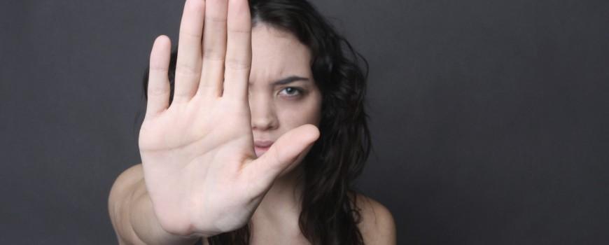 Quem Bate na Mulher Machuca a Família Inteira